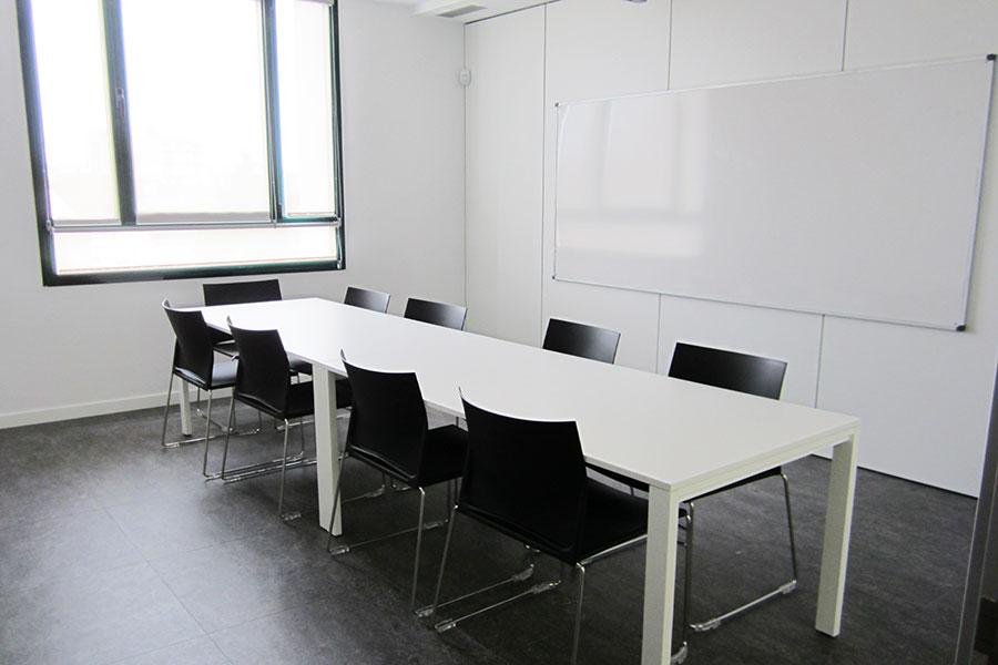 uned_girona_salt_aula_iduna_jg_group_sit_benjo_seating_wholecontract_universidad_a_distancia