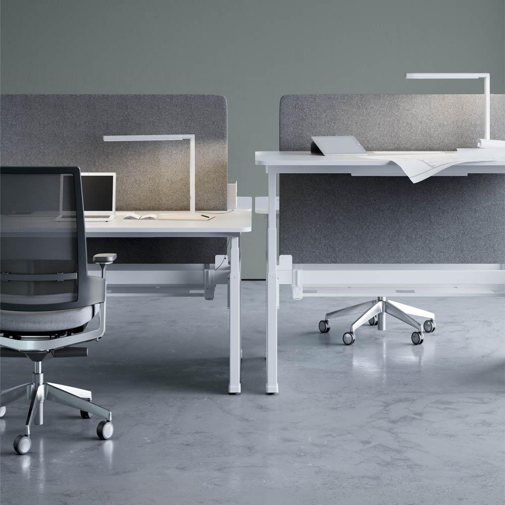 Mesas regulables ergonom a en el entorno laboral iii for Altura escritorio ergonomico