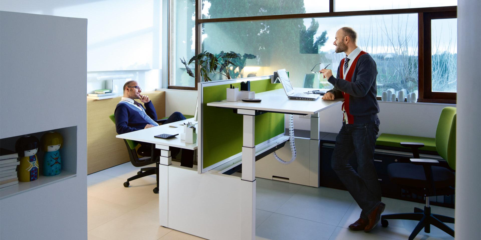 Acondicionamiento del espacio que tipo de mesa de for Necesito muebles de oficina