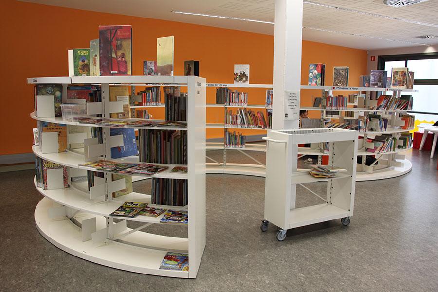 Mobiliario para biblioteca del sud de sabadell wholecontract - Estanteria biblioteca infantil ...
