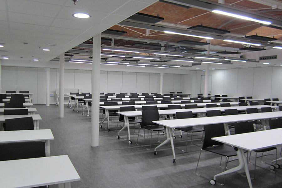 uned_girona_salt_aula_examenes_1_iduna_jg_group_sit_benjo_seating_wholecontract_universidad_a_distancia